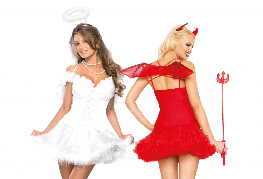 A woman dressed as an Angel and another dressed as a Devil.