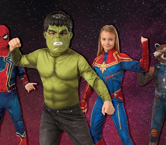 Kids dressed in Superhero costumes featuring The Hulk, Spiderman, Captain Marvel and Rocket Raccoon.