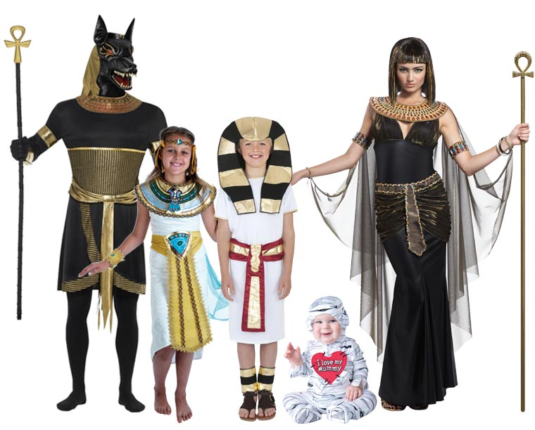 A family wearing Egyptian costumes including a pharaoh, Cleopatra and a mummy.